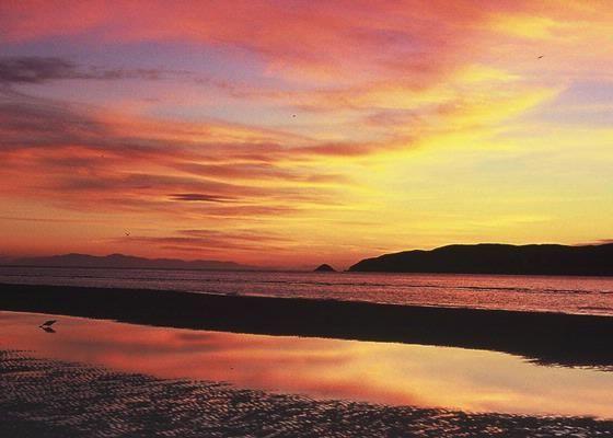 Sunset from Waikanae Beach over Kapiti Island