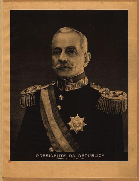 Ditadura Nacional foi a denominação do regime português saído da eleição por sufrágio universal do presidente da República Óscar Carmona a 25 de Março de 1928. Durou até 1933, ao ser referendada uma nova Constituição, que deu origem ao Estado Novo. Foi antecedida pela Ditadura Militar (1926-1928).