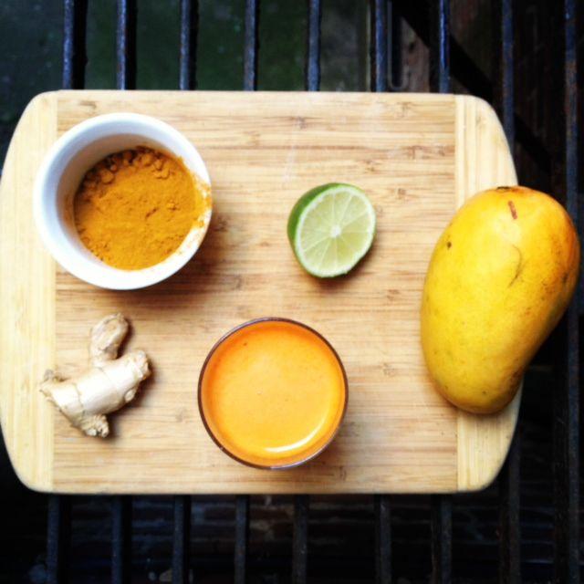 Mango Banana Smoothie with Tumeric