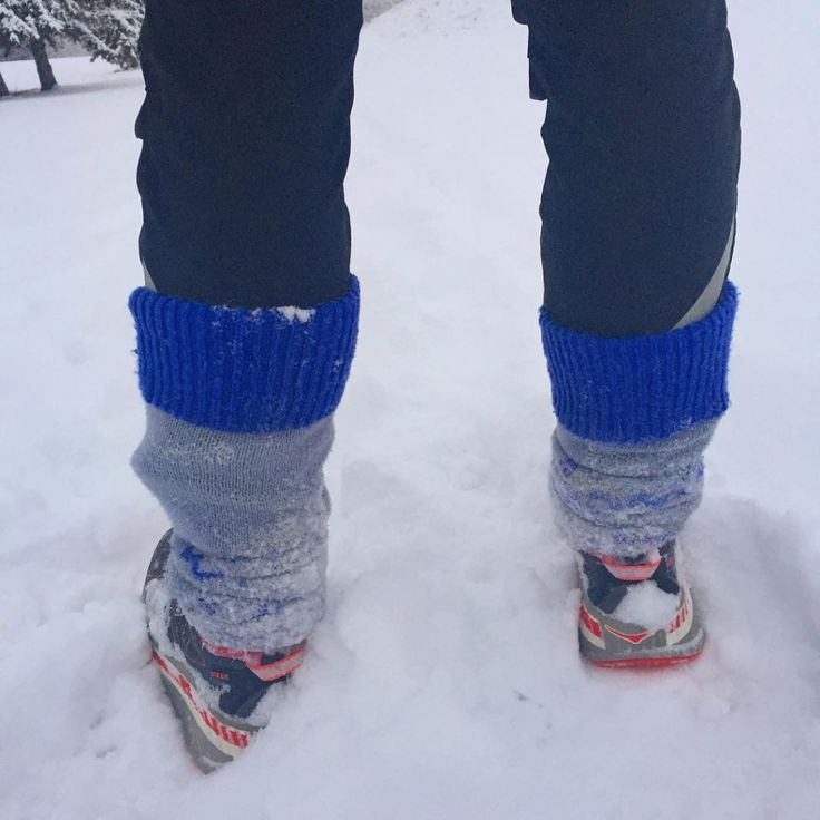 Some runs call for leg warmers sweatpink snow training runninghellip