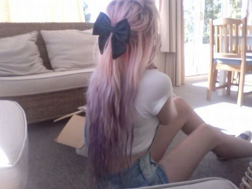 Pink hair is so pretty especially with the bow!
