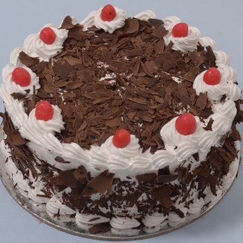 @FlyingCakes presents #BlackForest (Eggless) cake. #ordercakesonline #order #cakes #online #bangalore bestwish.in