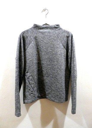 Kupuj mé předměty na #vinted http://www.vinted.cz/damske-obleceni/mikiny/18478354-mikina-reserved-v-minimalistickem-stylu-se-stojackem-sedy-melir