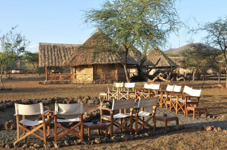 Foyer Wallpaper Kenya : Best luxury safari lodges images on pinterest