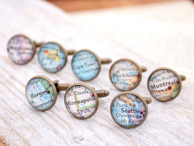 Custom map cufflinks are a perfect gift for the groomsmen | Ways to Use Maps and Globes in Your Wedding Decor