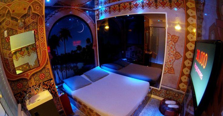 Os palácios do Oriente Médio inspiram um dos quartos do Hotel do Amor de Paris, na França