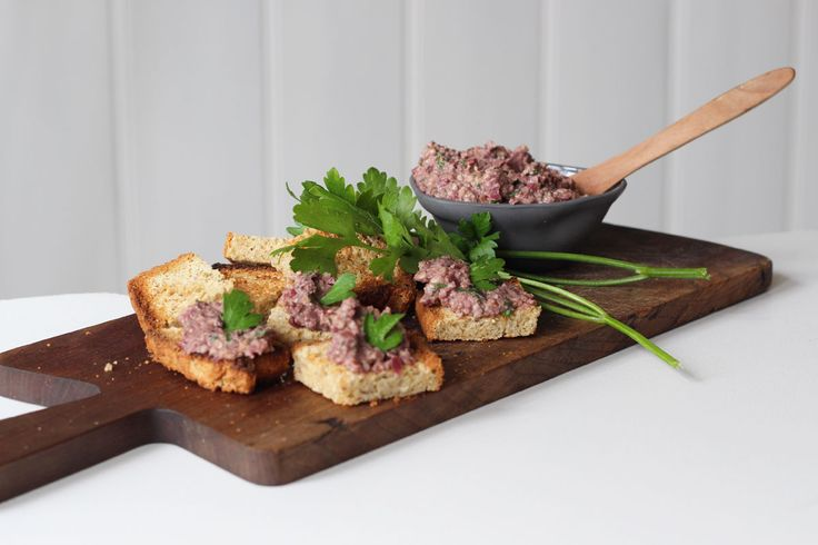 Olive tapenade with walnuts recipe - a beautiful homemade dip in 5-10 minutes flat!