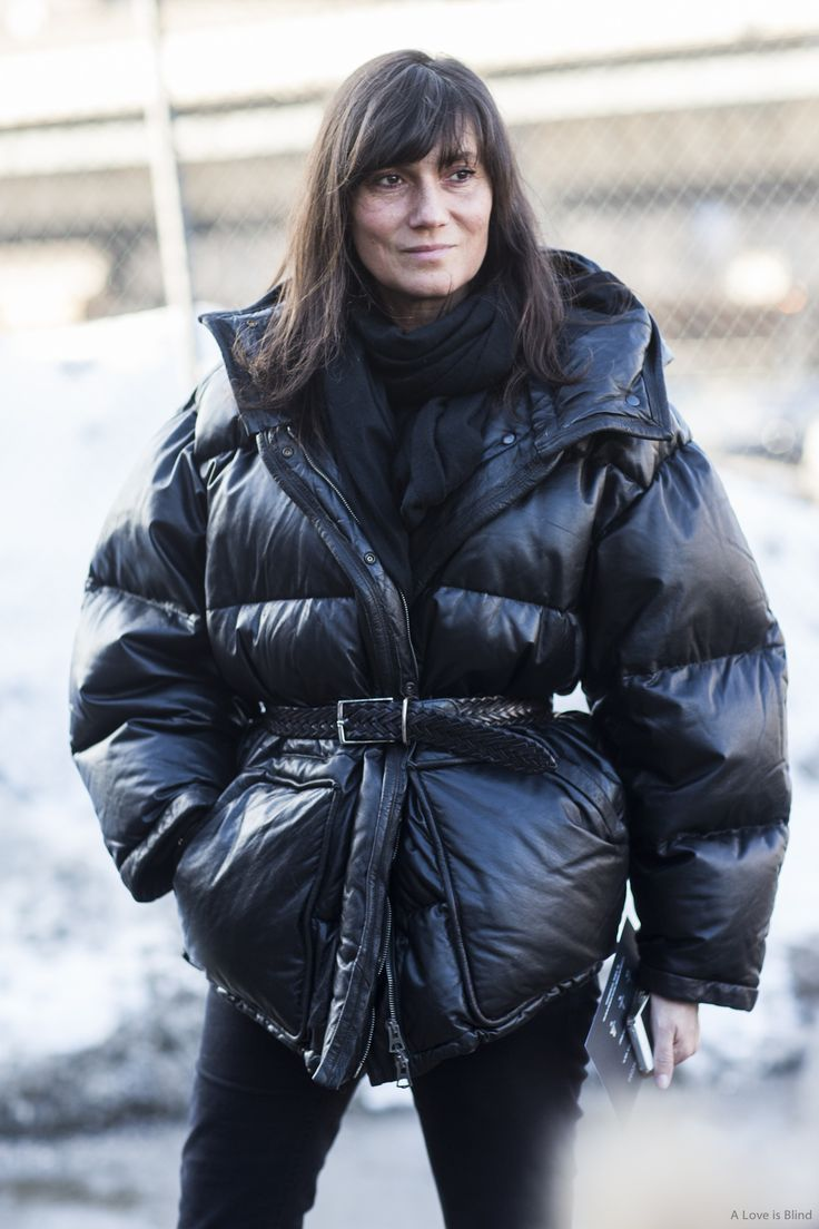Only she can wear a coat like this and make it look chic - Effortless                                                                                                                                                                                 Mehr