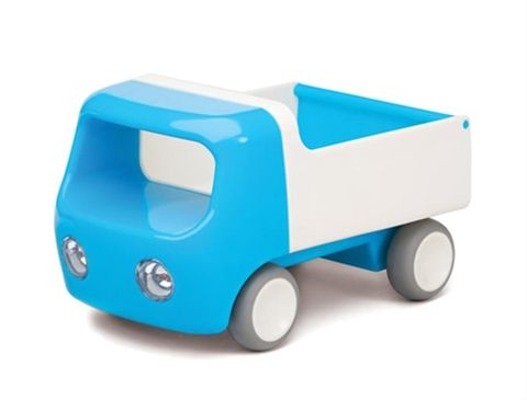 Tip Truck (Kid O) est un camion-benne qui allie efficacement design et ergonomie pour les plus petits.