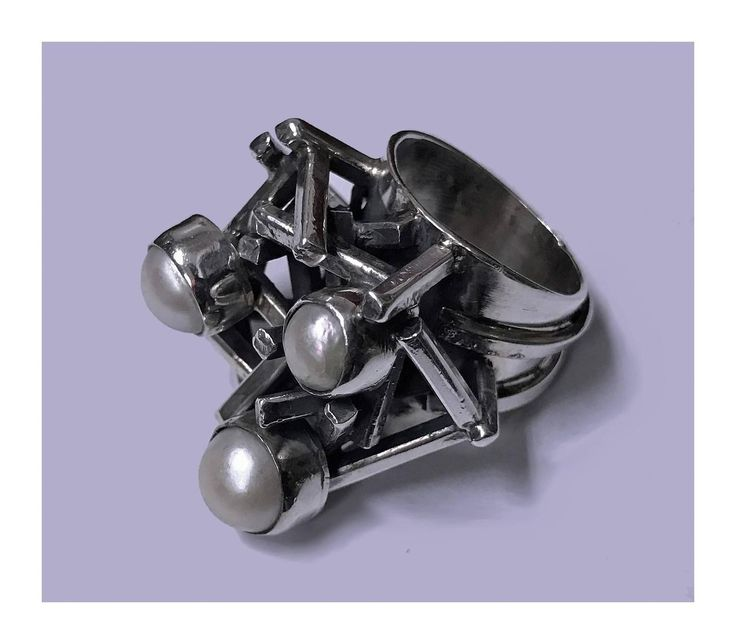 Rachel Gera Abstract Modernist Sterling Ring, Israel, C.1975.   From a unique collection of vintage more rings at https://www.1stdibs.com/jewelry/rings/more-rings/