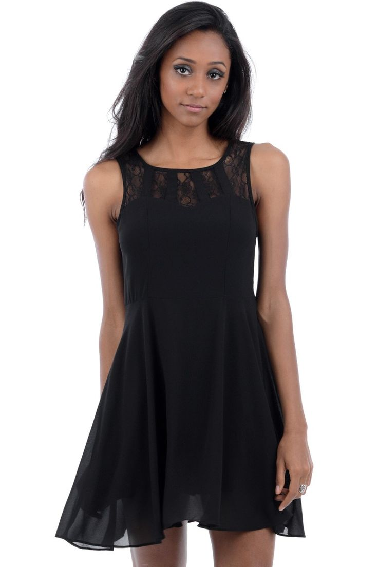 suen,vestido escote con blonda www.suen-moda.com
