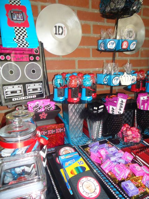 """Photo 10 of 24: POP Music Group One Direction 1D / Birthday """"1D One Direction Birthday"""" 