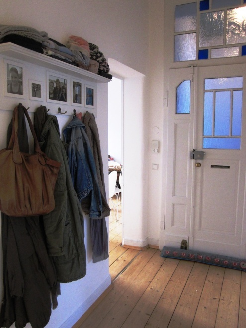 pin von la ma auf flur pinterest flure einrichten und wohnen und wohnen. Black Bedroom Furniture Sets. Home Design Ideas