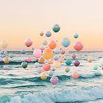 O artista nicholasscarpinato e suas fotografias cheias de cores e bolas  siga o moo pra se inspirar nicholasscarpinato fotografia colours cores followthecolours ftcmag arte artattack artattackftc