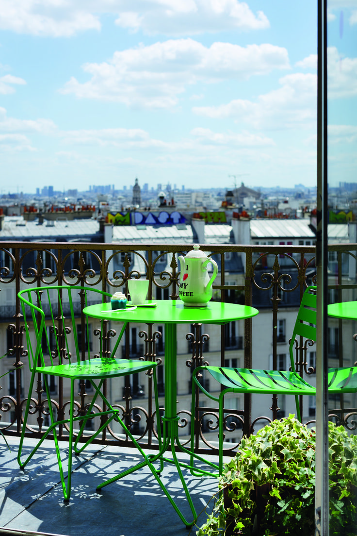 Enjoy your balcony in green !