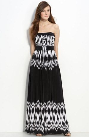 6 Sexy Maxi Dresses: Strapless Print Maxi Dress