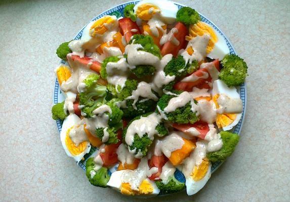 Bardzo+smaczna+sałatka.+Świetnie+nadaje+się+jako+dodatek+do+potraw+jak+i+samodzielne+danie.