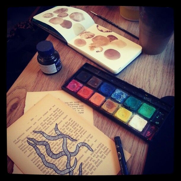 #watercolour #moleskine #drawing #sofiakarlstrom (fiakarlstrom on instagram)