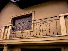 Resultado de imagen para rejas para balcones casas de campo italianas