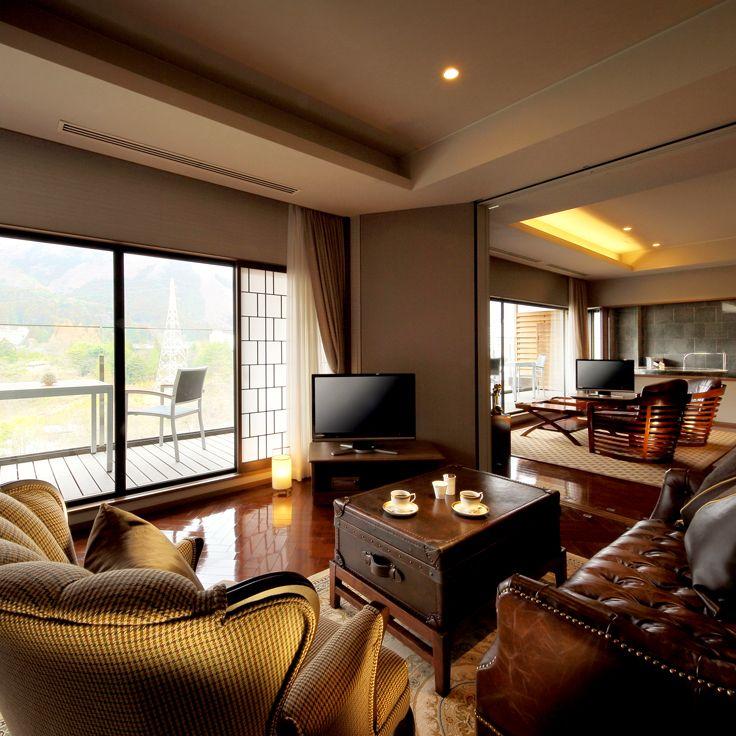 Club Floor John Kanaya Suite