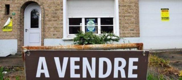 L'immobilier s'effondre : 10000 emplois et 3000 agences en moins en 2012...!!!