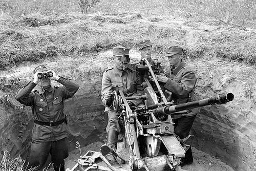 AAA-gun flak 30 - finnish soldiers near Mikkeli - pin by Paolo Marzioli