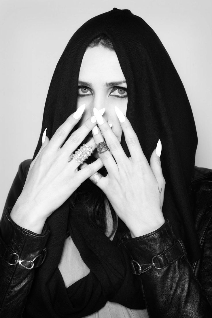 Chelsea Wolfe wearing Ovate hooded scarf, photo by Kristin Cofer.