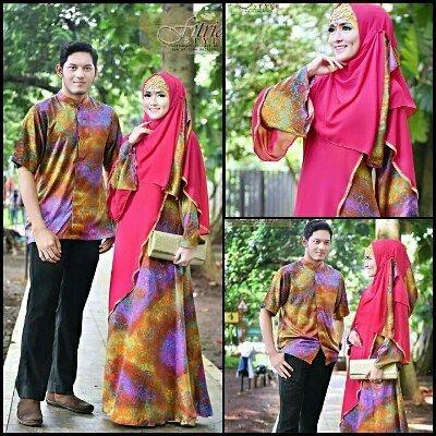 Khusnul Khuluk Couple by Fitria Style  Bahan : motif : silk batik atmadjaya polos diamond ceruty ============================= Size :Dress : LD 98 pjg 140cm  kemeja : lebar bahu 50  LD 115 pjg 85 cm ============================== Gamis : bagian depan sampai lengan berbalut polos diberi aksen manik2 pada bagian pinggirnya bagian belakang dres memakai karet . ada resleting Depan hingga cocok untuk ibu menyusui lengan berbentuk lonceng tetapi dibagian lengan bawah diberi kancing didalam agar…
