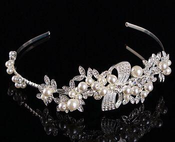 Mooie tiara met parels en strass