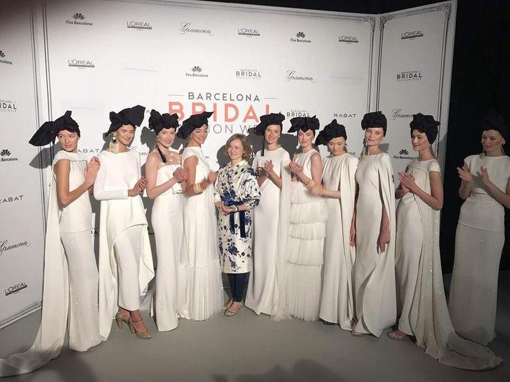SOPHIE VOILA НА BBFW Показ Sophie Voila @sophieetvoila на Barcelona Bridal Fashion Week @barcelonabridalweek Главная фишка  черные платки. У каждой модели завязан по разному. Ни один не повторяется! #bridemagru #bbfw #bbfw17 #barcelonabridalcapital  #balcelona #fashion #show #Испания #Барселона #Spain #невеста #мода #стиль #модель #платье #свадьба #скоросвадьба #свадебноеплатье #wedding #bride #dress #weddingdress #weddinggown #style #look #luxury #weddingfashion #weddingtrends #wedding…