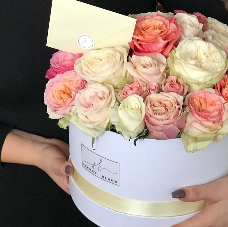 Luxury Roses English Roses Mix of Roses Big Box Box for her  From him Birthday roses Secret Bloom Boxes
