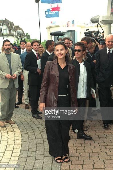 Photo d'actualité : Virginie Ledoyen and Eric Serra arrive at the...