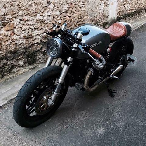CAFE RACER @caferacergram Tag: #caferacergram #| Honda CX500 monoshock cafe racer sent in by Amaury…