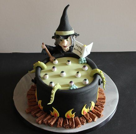Halloween witch - by CAKECUCINA @ CakesDecor.com - cake decorating website