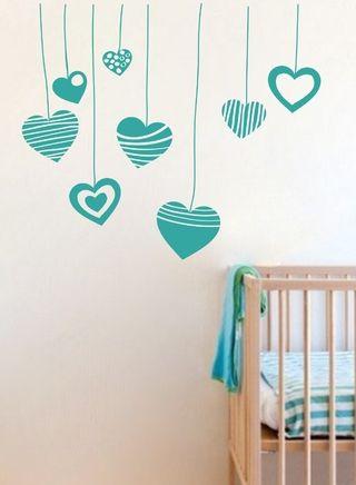 Vinilo decorativo corazones nena dormitorio