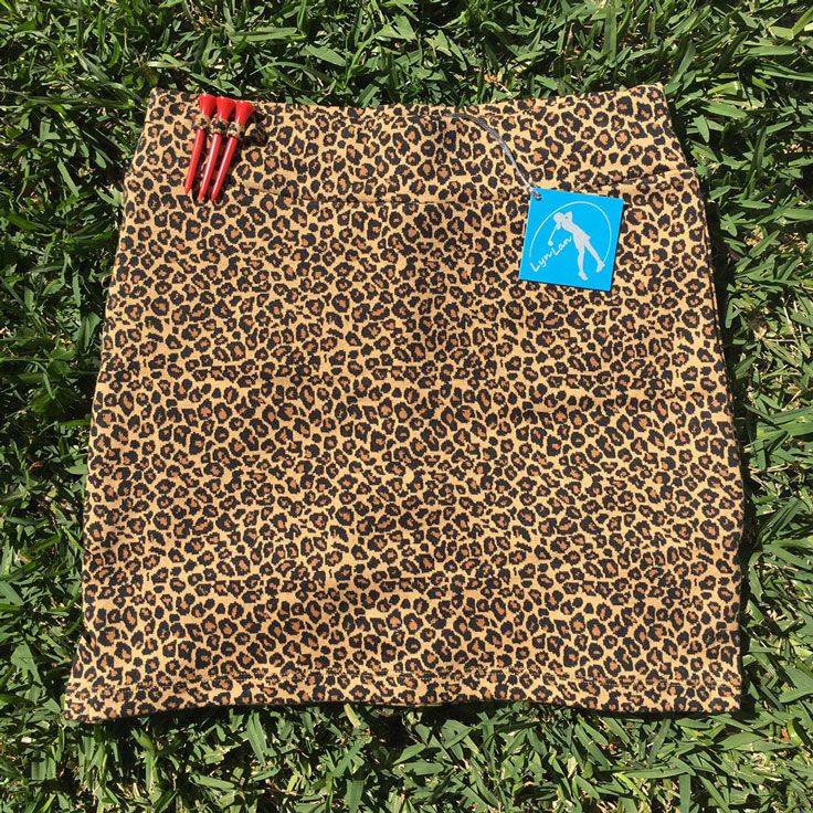 Lynlan leopard pattern stretch golf skort