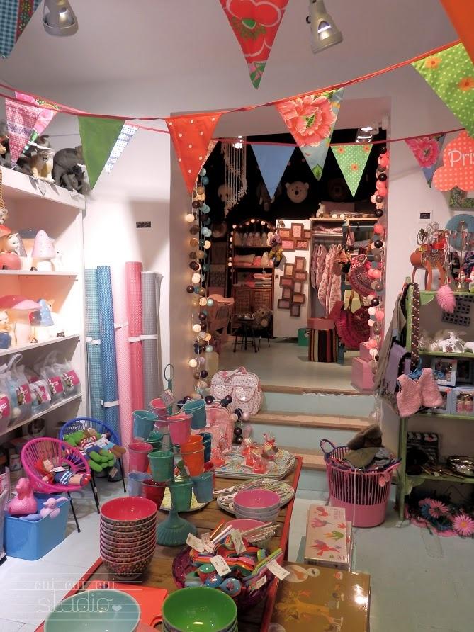 OUI OUI OUI studio: Aix-en-Provance. Le Petit Souk: l'enfant décoration, cadeau de naissance, papeterie, meubles, nouveautés.