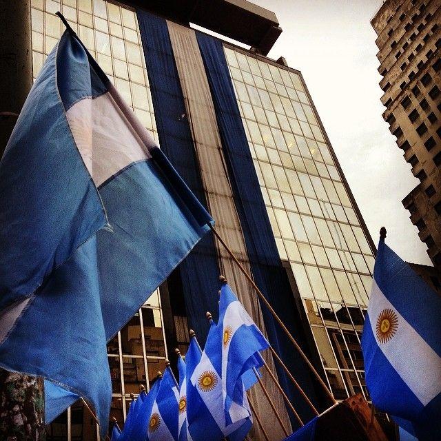 #Argentina #Bandera #flag #building #giant  (en Corrientes y Reconquista)