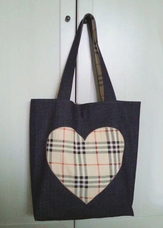 Jeansowa torba a'la burberry z sercem - e-tui - Torby na ramię
