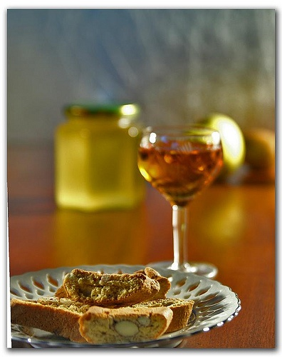 Cantucci e Vin Santo by paPisc, via Flickr