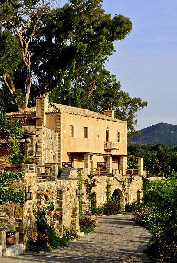 The Kinsterna Hotel in Monemvasia www.mediteranique.com/hotels-greece/monemvasia/kinsterna-hotel-spa/