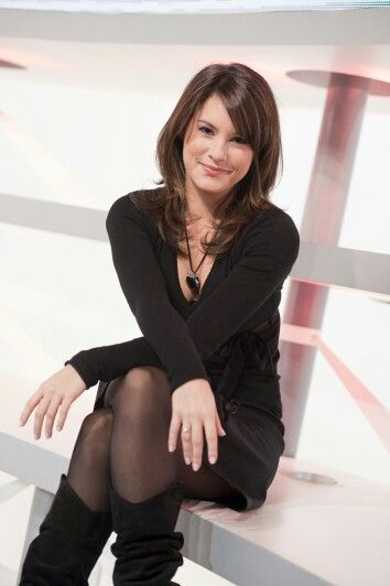 "Marion Jollès Grosjean; French Automotive Sportscaster/Journalists - ""Automoto"" - TF1 (b. 8-DECEMBER-1981-)."