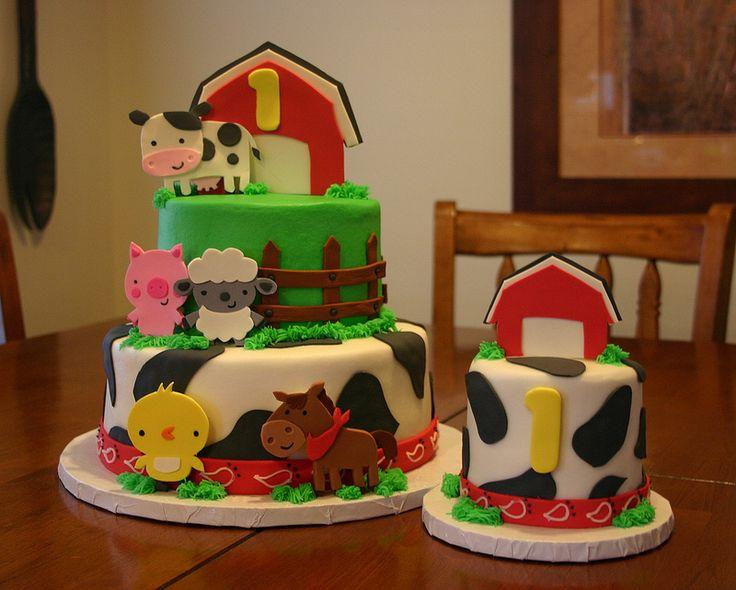 Barnyard cakes (((cricut create a critter i can make this))