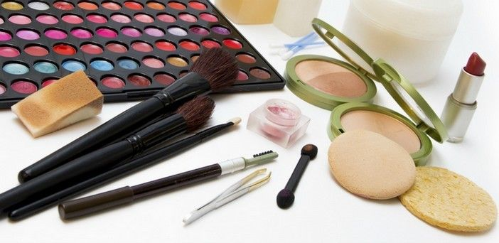 Avoid Chemical Based Cosmetic Products To Make Beautiful Fresh Skin Naturally