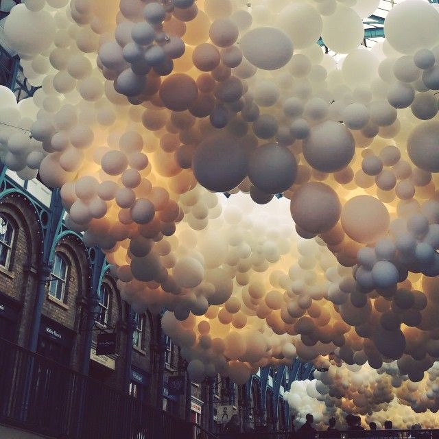 Balloon installation (Heart Beat) at Covent Garden, London, by Charles Pétillon.