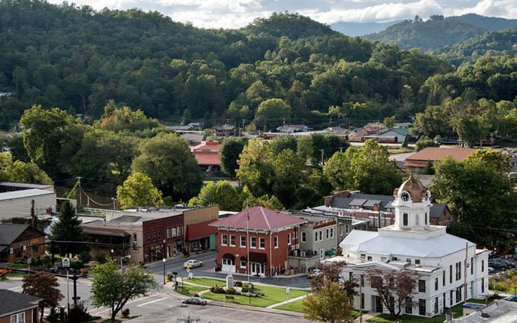 There are more than ten reasons to Bryson City, NC, located on the southern side of the Great Smoky Mountains National Park. Visit this great friends and family vacation spot for a world of adventure three hours north of Atlanta.