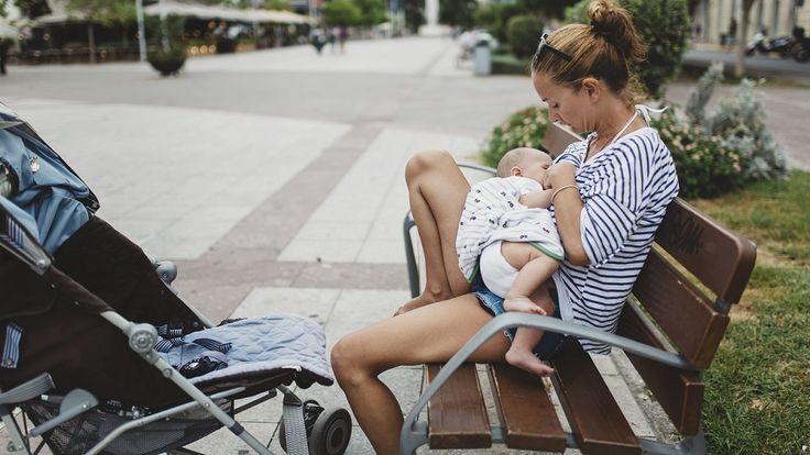 Breastfeeding debate fires up parenting forum