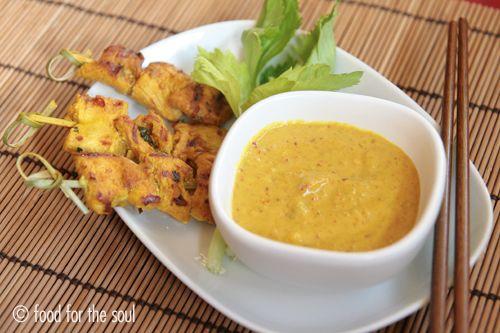 Spiedini thai con salsa alle arachidi (satay chicken) | Food for the soul