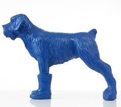 blauwe plastic hond
