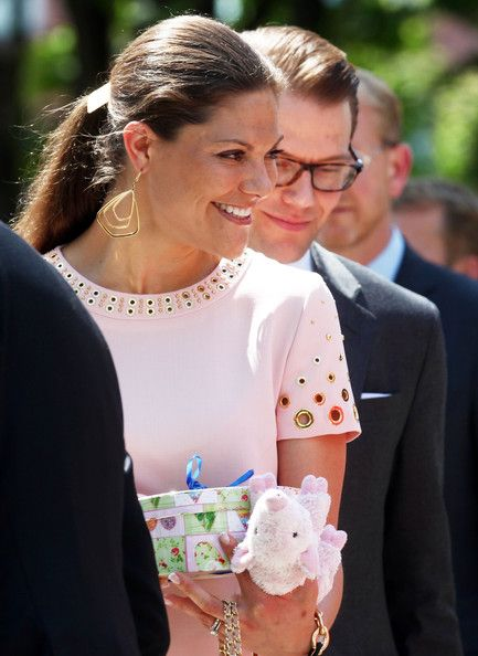 Princess Victoria Photos - HRH Crown Princess Victoria Of Sweden And Prince Daniel On Germany Visit - Day 1 - Zimbio